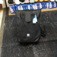 Adidas愛迪達,adidas愛迪達後背包推薦到Adidas 三宅一生 後背包 背包 包包 黑色 DV0202 BP ROLL TOP 3D