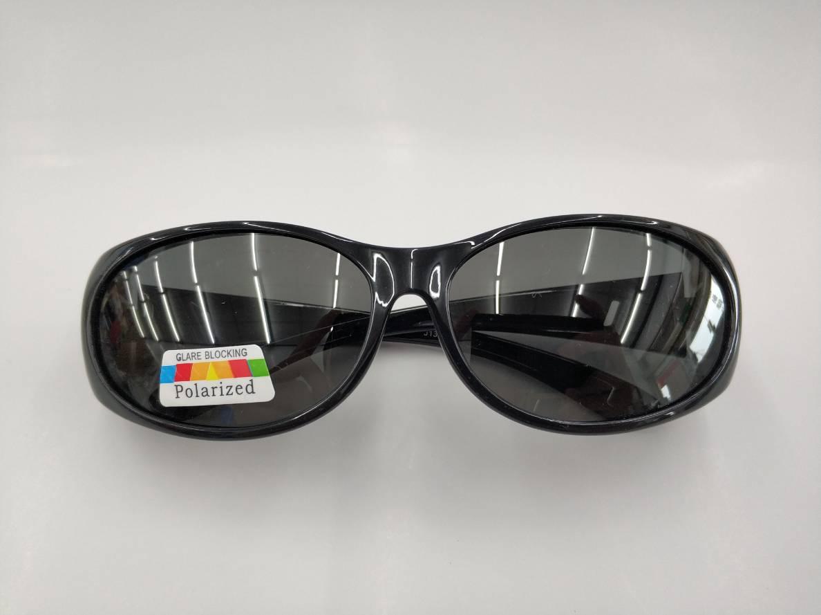 寶利徠偏光鏡片 防曬全包覆偏光太陽眼鏡-套鏡 近視族專用套鏡 沒近視也可直接當太陽眼鏡 橢圓形設計 男女都適合配戴