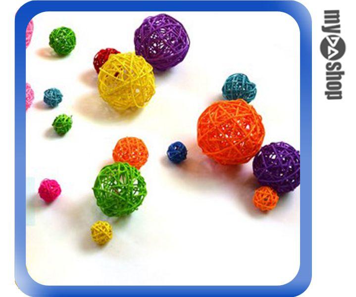 《DA量販店》櫥窗 攝影 會場 裝飾 布置 掛飾 DIY 彩色 藤球 9cm 顏色隨機(79-6757)