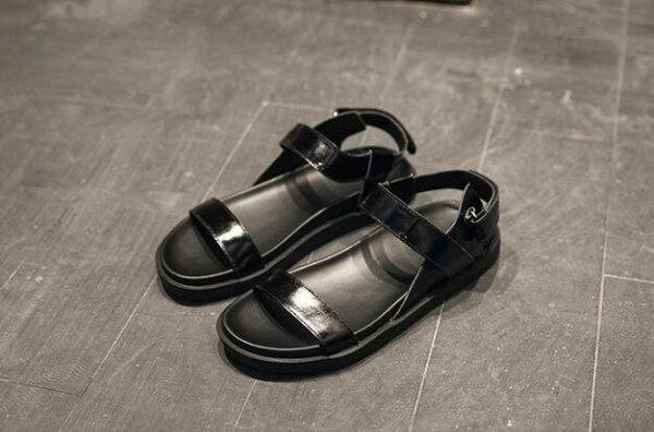 FINDSENSE服飾:FINDSENSEMD日系時尚潮男高品質頭層牛皮露趾加厚鞋底羅馬涼鞋皮鞋