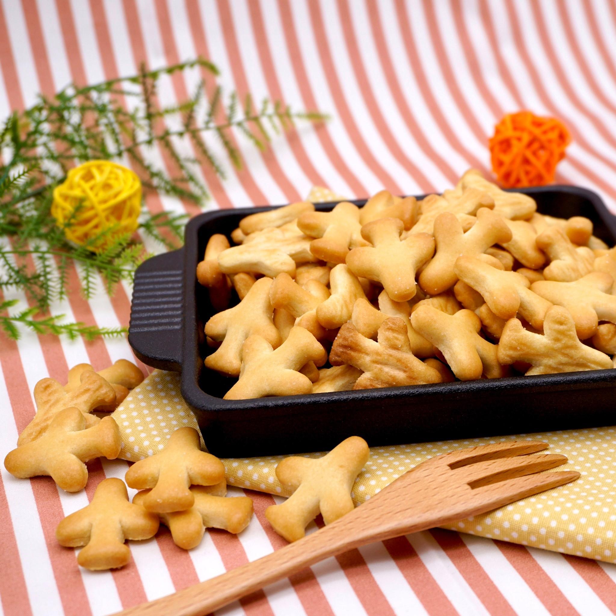 嘴甜甜 飛機餅乾 200公克 餅乾系列 數字餅乾 奶香餅乾 造型餅乾 寶龍 傳統 古早味 餅乾 零食 素食 現貨