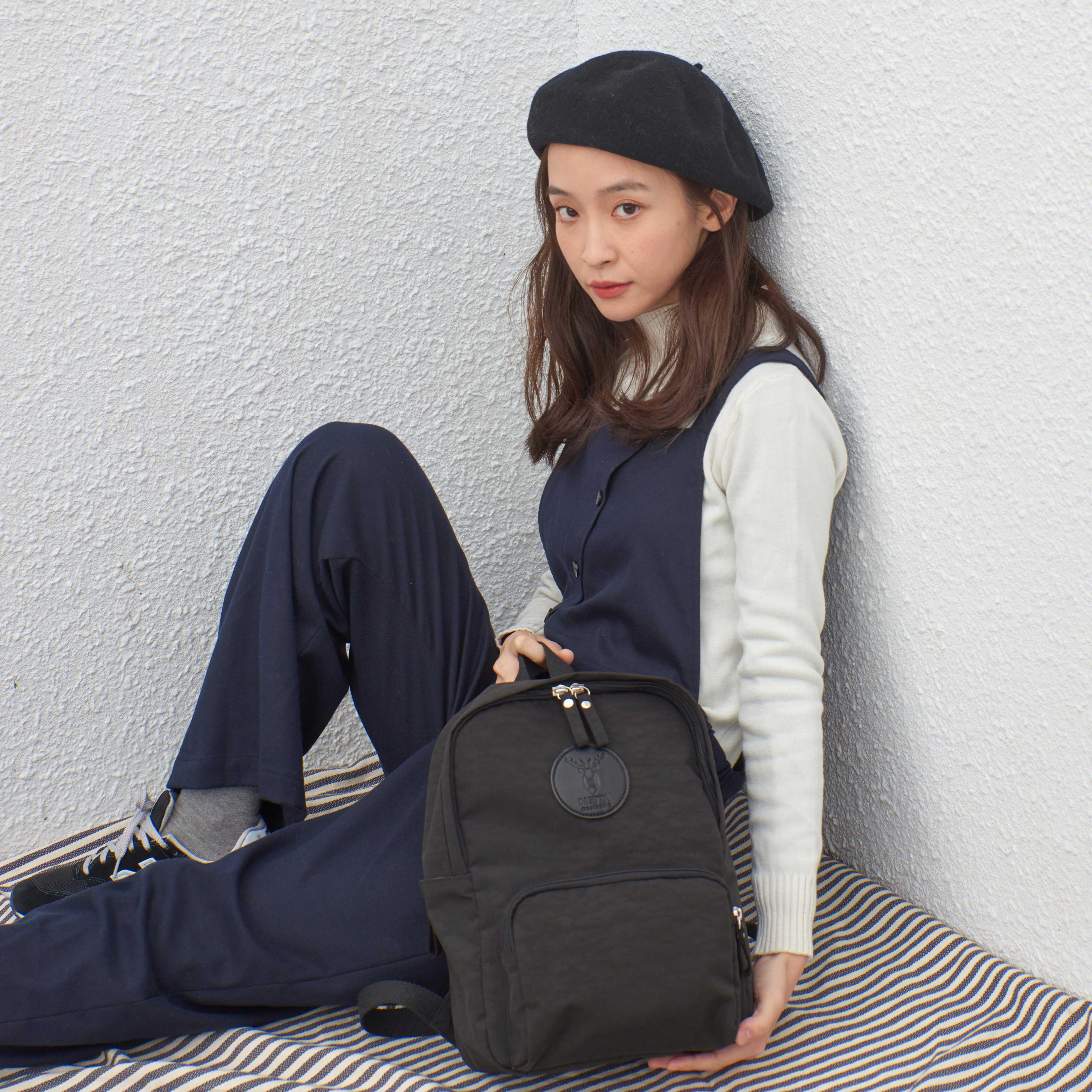 防潑水休閒後背包 / Mini探索後背包 /  Mini  / 黑色【NETTA】 4