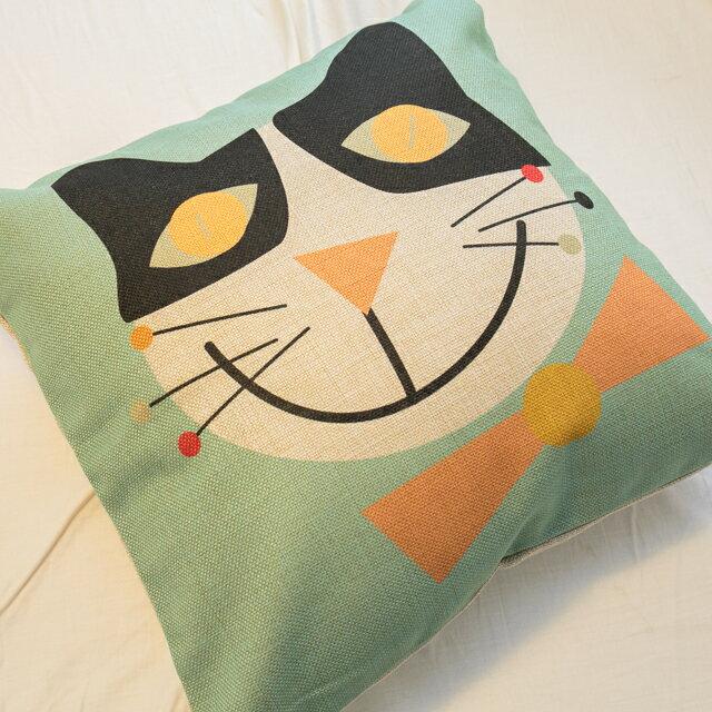 大眼黑白貓抱枕  棉麻材質   45cmX45cm 花色獨特 觸感扎實 2