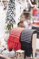 送家人聖誕交換禮物推薦聖誕圍巾到【東力】MIT 千鳥格能量健康圍巾 聖誕情人優惠組合(黑*1+紅*1)就在EASTPOWER推薦送家人聖誕交換禮物