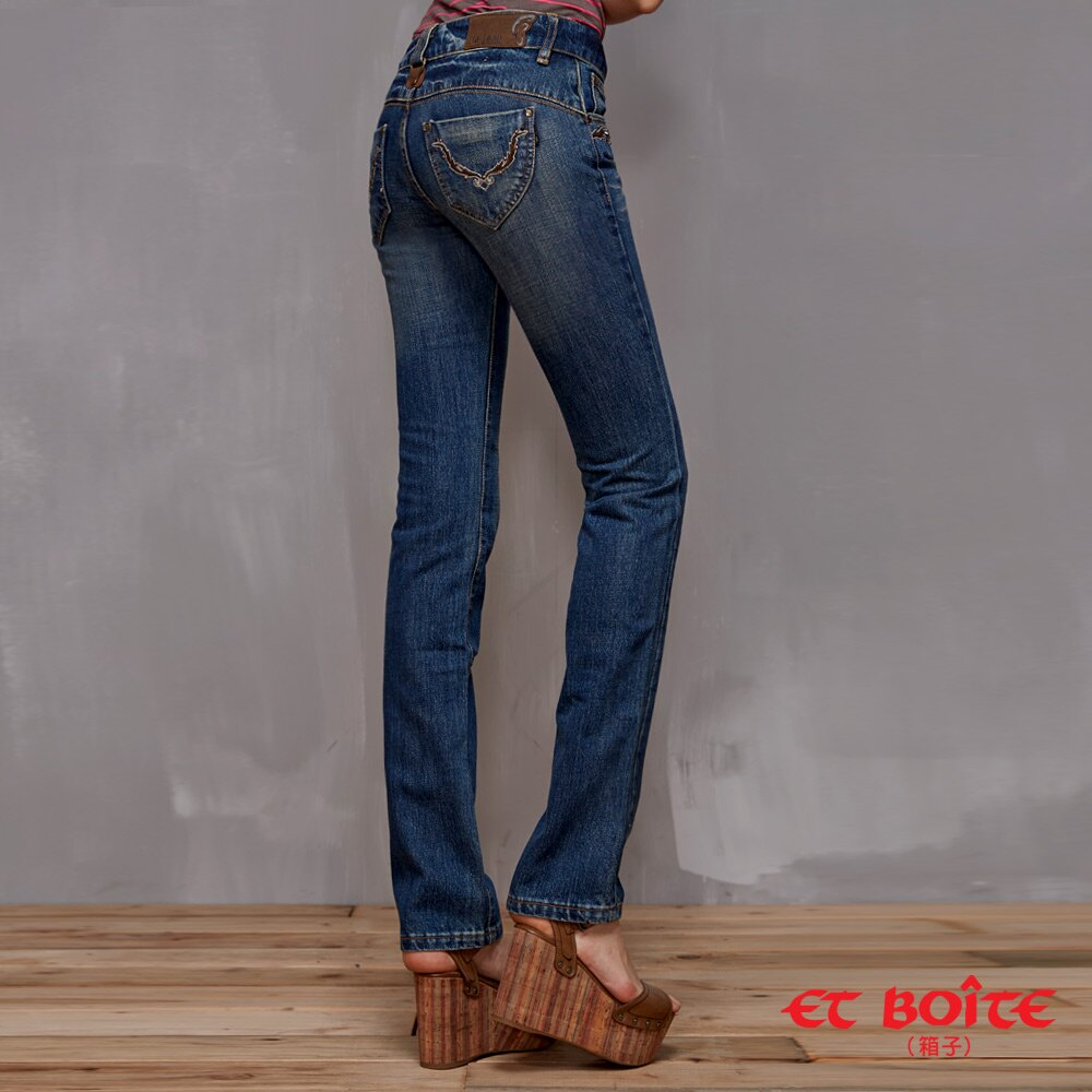 【結帳輸入『fashion2228-2』滿$888現折$100】【 990元優惠↘】LeJean繡花鉚釘顯瘦直筒牛仔褲 - BLUE WAY  ET BOiTE 箱子 0