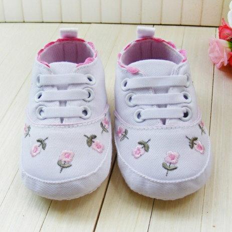 【經典公主鞋】女寶寶學步鞋軟底嬰兒鞋碎花刺繡帆布鞋休閒鞋-白色