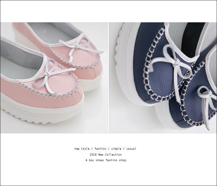 格子舖*【AA706】 MIT台灣製 百搭基本款皮革 特殊車線蝴蝶結 4.5CM厚底增高 鬆糕鞋 小白鞋 3色 2