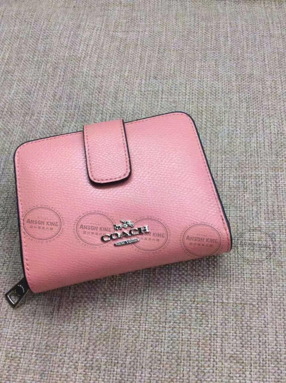 美國Outlet代購 Coach 全新正品 F52692 金屬馬車標零錢包 釦式 粉色 零錢包 手拿包 皮包 多色可選