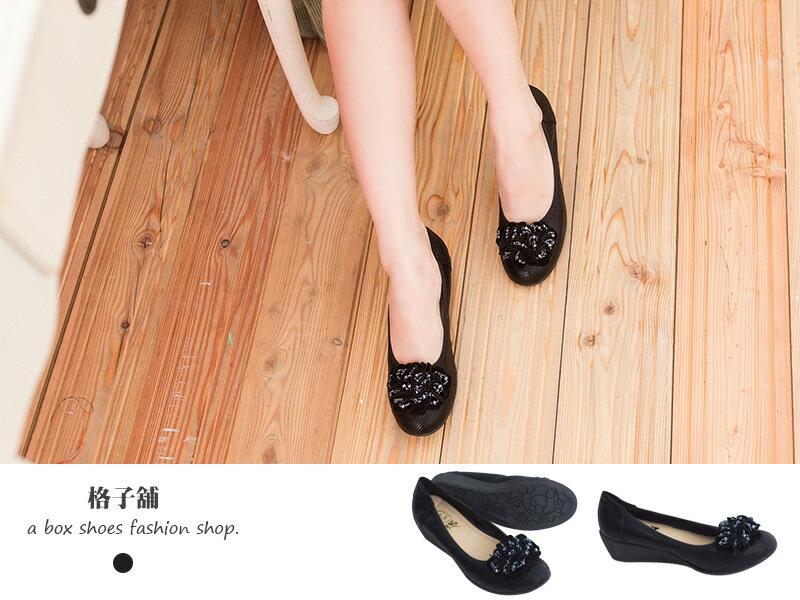 格子舖*【KIN8216】寶石綴飾花朵仿蛇皮紋圓頭楔型鞋 厚底鞋 坡跟娃娃鞋2色