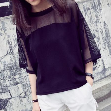 SISI~T6032~性感港風透視露膚網紗拼接寬鬆圓領五分袖T恤上衣