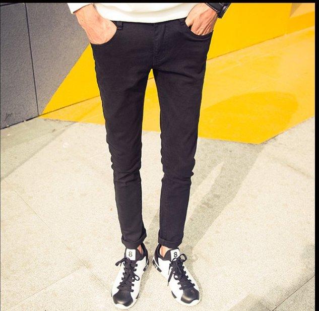 FINDSENSE品牌 新款潮男修身水洗牛仔褲間約小怪獸裝飾黑色 白色
