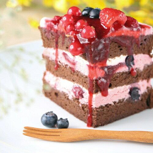 ❤瓜哥最愛❤限量40組♔莓杜莎♔(免運)以今年最流行的裸蛋糕為主體大膽呈獻,使用6種新鮮莓果鋪成,滿滿維他命C呀!酸酸的莓果與甜甜的特製莓果卡士達結合,配上柔軟的巧克力戚風蛋糕,每ㄧ口都充滿幸福每日純手工製作,限量總是殘酷的,再猶豫就來不及啦~~【歡樂智多星】【上班這黨事】團購美食大推薦 1