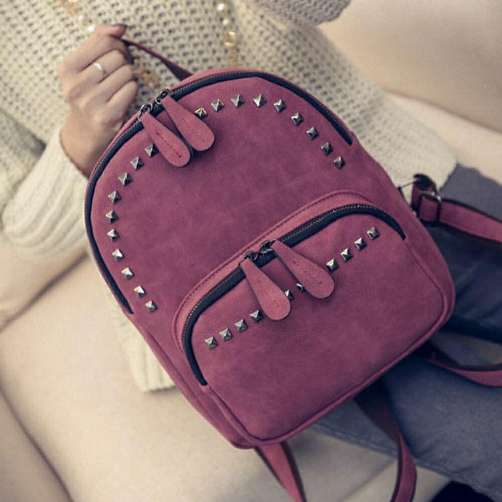 ✤宜家✤【WK16110420】新潮時尚鉚釘百搭雙肩後背包 學生書包 (紅)
