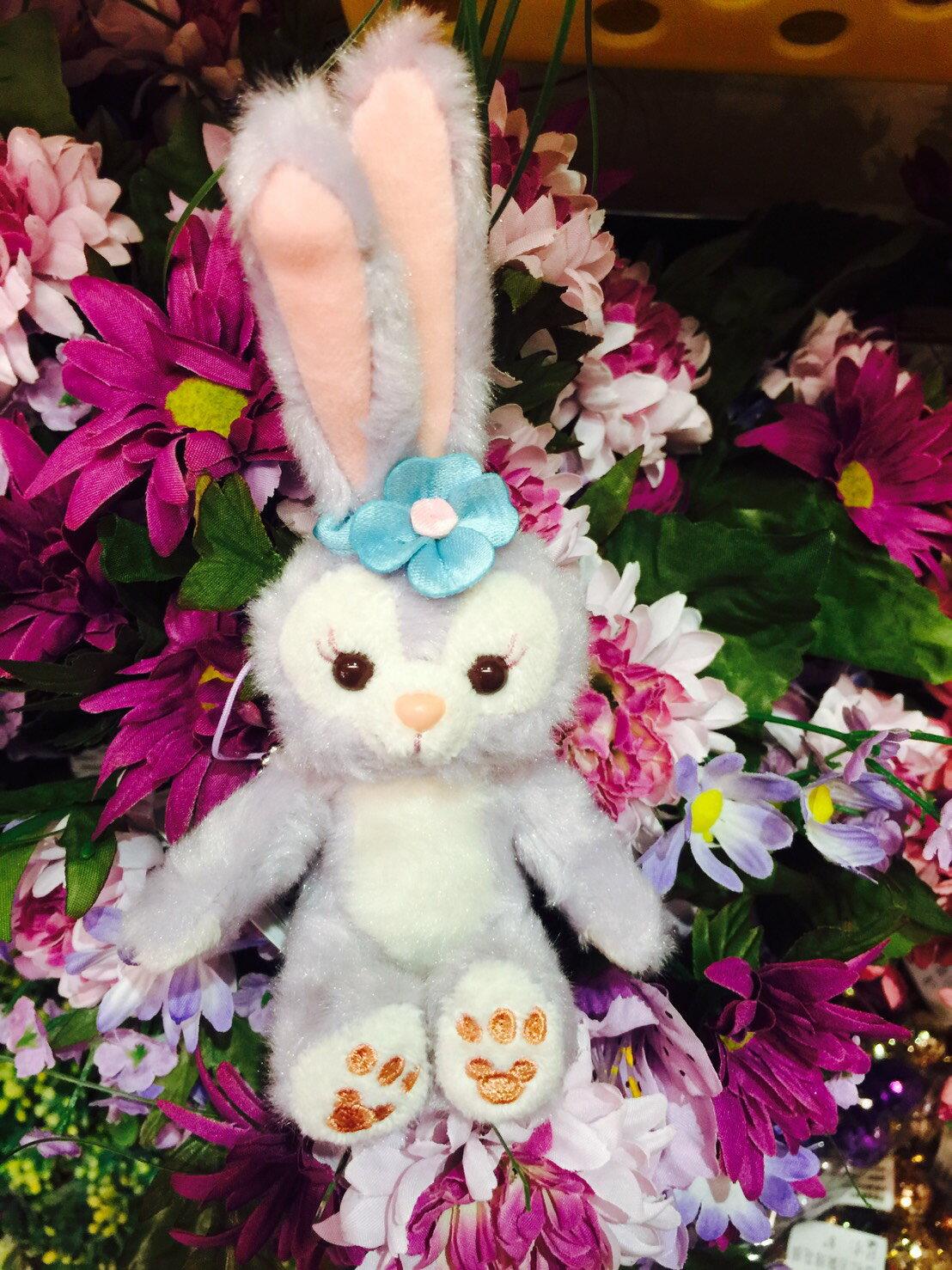X射線【C917010】日本東京迪士尼代購-史黛拉 Stella Lou 裸身娃娃吊飾-坐姿,包包掛飾/鑰匙圈/兔子芭蕾/雪莉玫/達菲/畫家