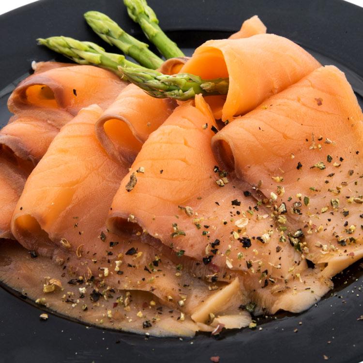 【賣漁人家】櫸木煙燻鮭魚片 1
