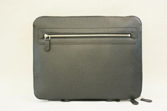 LV taiga黑色PAD手提包VLADIMIR M32612
