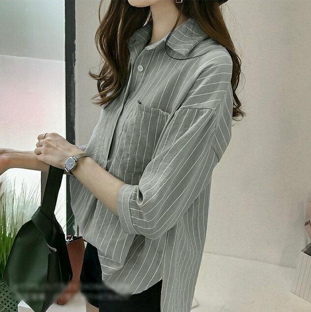 【V2525】shiny藍格子-文青女孩.條紋口袋寬鬆七分袖襯衫上衣 2