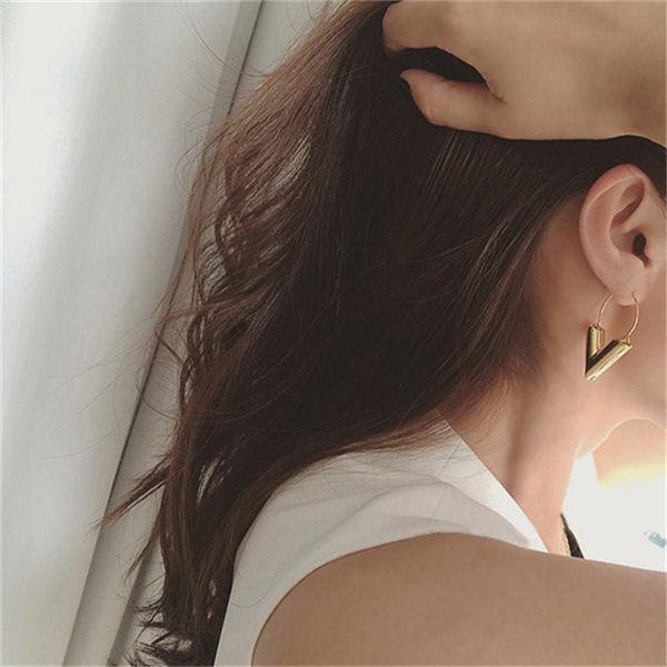 PS Mall  簡約金屬風字母V字 耳墜耳飾耳環耳釘耳針~G2208~