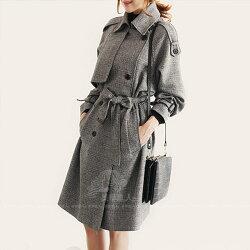 格子 風衣 中長款 大衣 灰色 長袖 大碼 外套 上衣 韓版 雙排扣 女款風衣 繫帶收腰 女裝 ~ 美學達人216