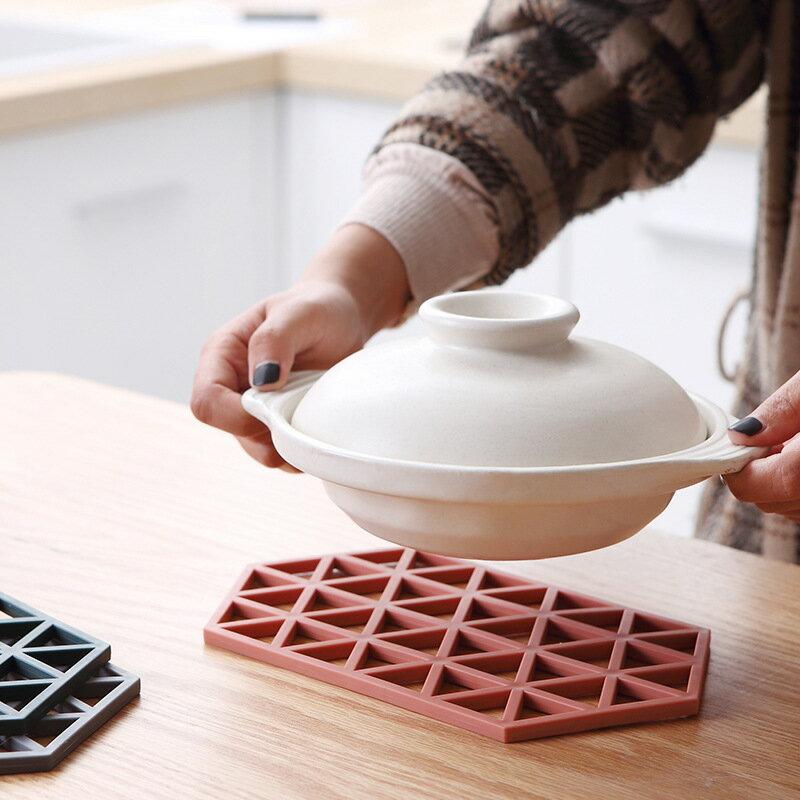 北歐硅膠茶杯墊防滑餐墊耐高溫隔熱墊鏤空鍋