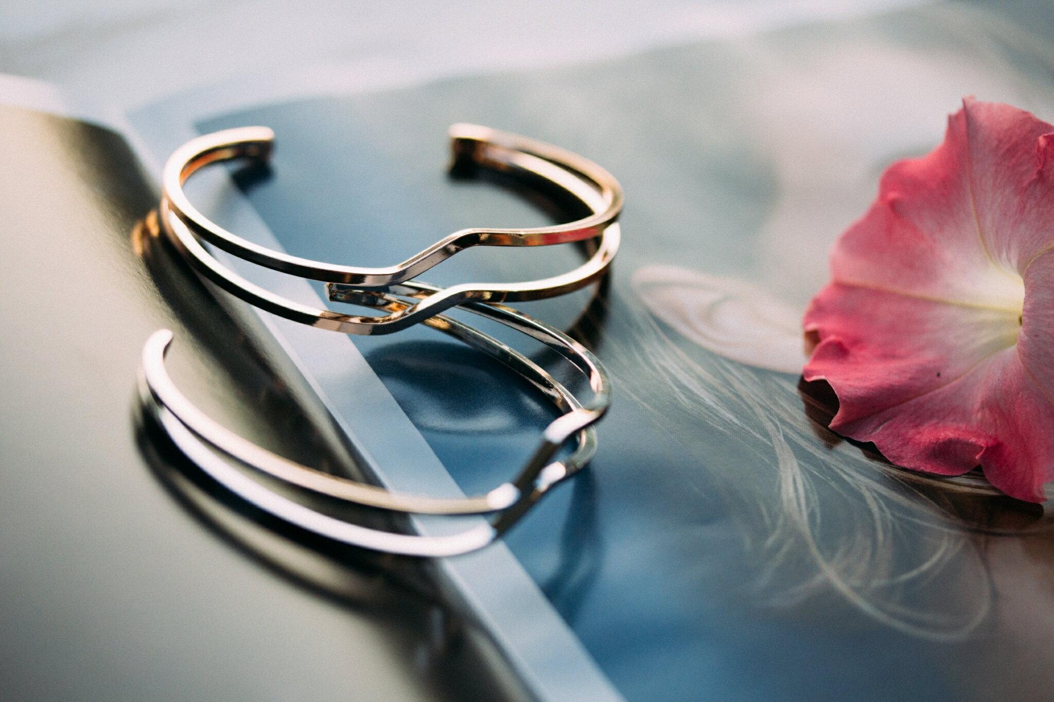 歐美名媛金屬閃電手環