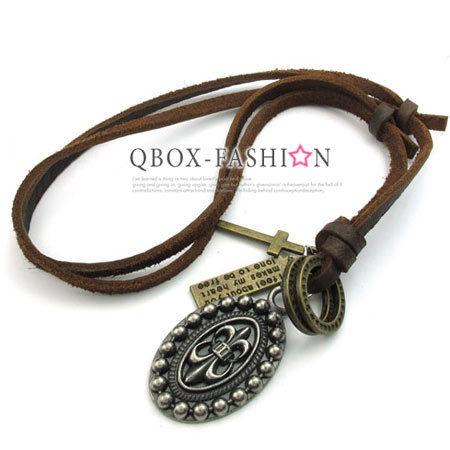 《 QBOX 》FASHION 飾品【W10022891】精緻個性克羅心盾牌合金皮革墬子項鍊