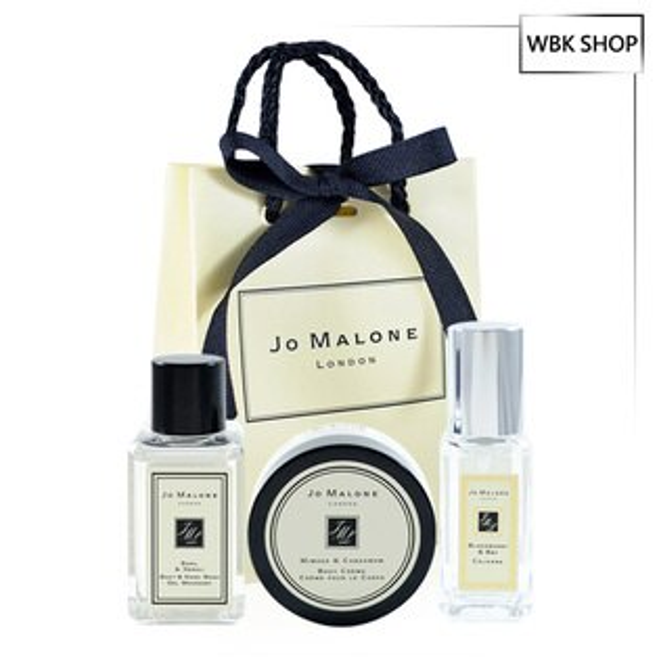 JoMalone英國經典香氛三件組黑莓與月桂葉小香9ml+羅勒與橙花純露沐浴膠15ml+含羞草與豆蔻乳霜15ml+原裝提袋-WBKSHOP