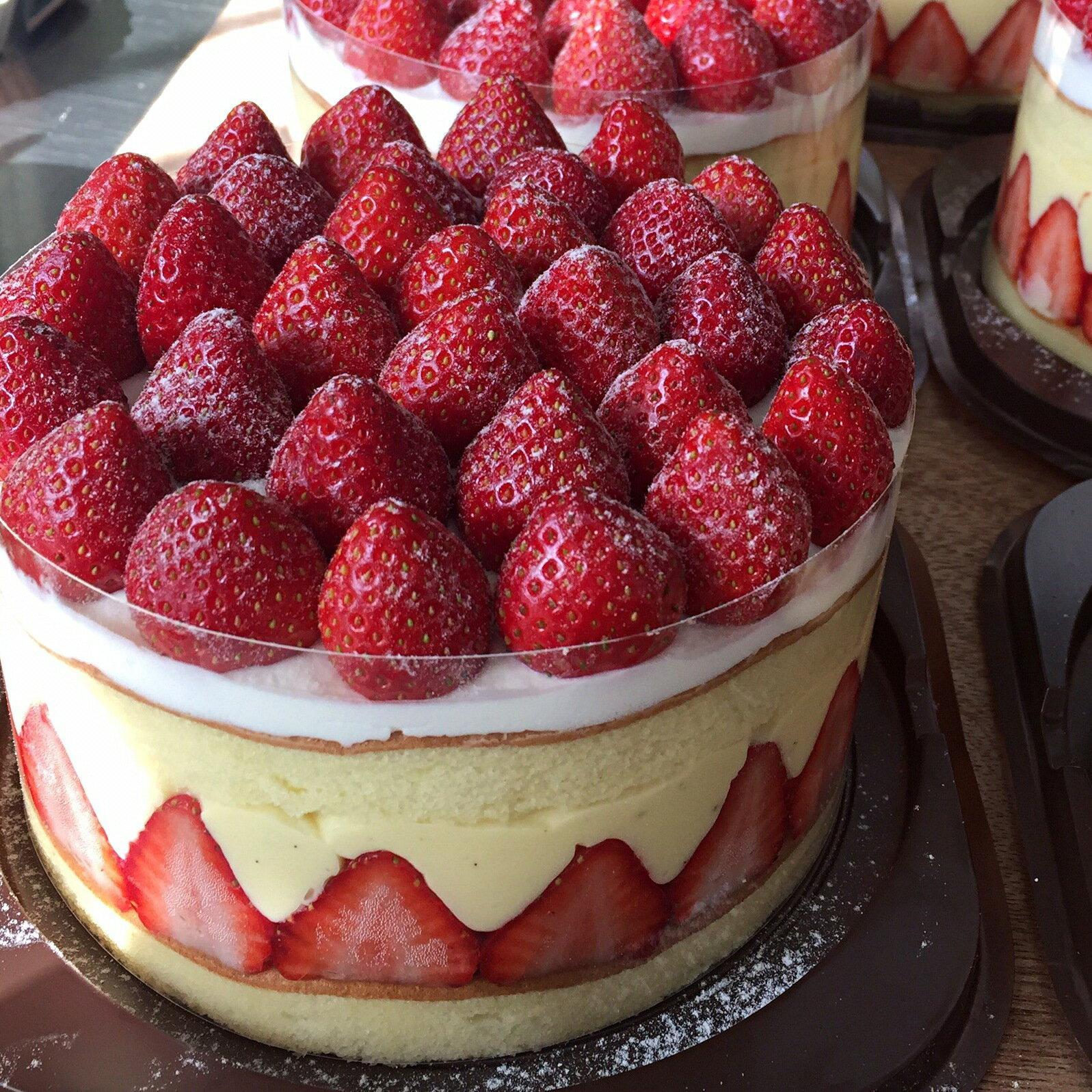 大家都在搶👉6吋皇室卡士達草莓蛋糕↘$999▶免運【固定每週五六到貨】(1 / 13-1 / 29)暫停出貨 4