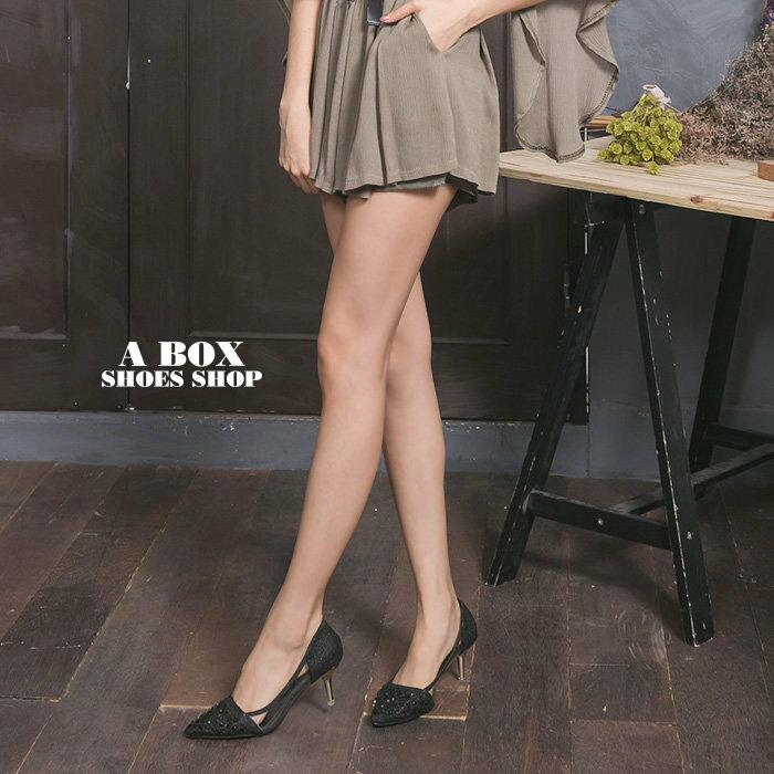 格子舖*【KF198-13】搶眼金蔥水鑽拼接透明片輕熟時尚 5CM金屬細中跟 尖頭包鞋 高跟鞋 2色 1