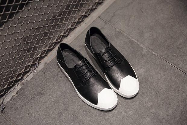 FINDSENSE MD 日系 時尚 潮 男 高品質 頭層牛皮荔枝紋 綁帶 黑白撞色低跟休閒鞋 板鞋