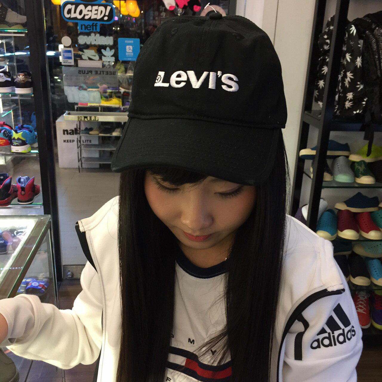 BEETLE PLUS 全新 美國購入 LEVI'S 全黑 白電繡字 復古 棒球帽 後扣式 SNAPBACK 黑白 MN-422