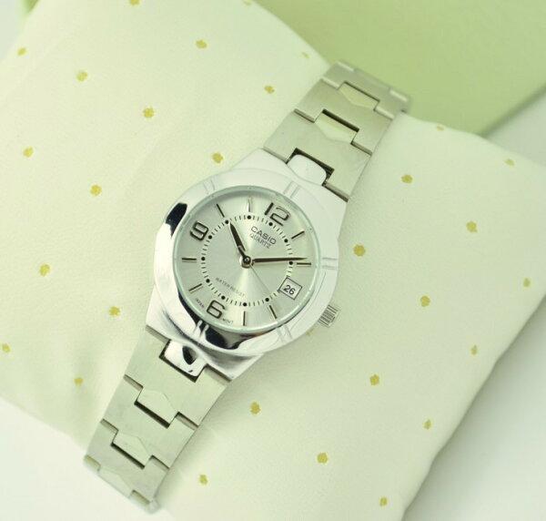 卡西歐女表時尚鋼帶女士石英防水情侶手錶LTP-1241D-4A
