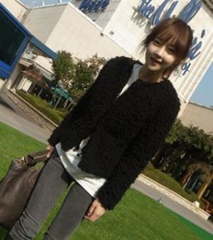 秋冬新款女裝 韓國復古ULZZANG學院風椰蓉毛毛圓領短款夾棉服外套(單色黑色)
