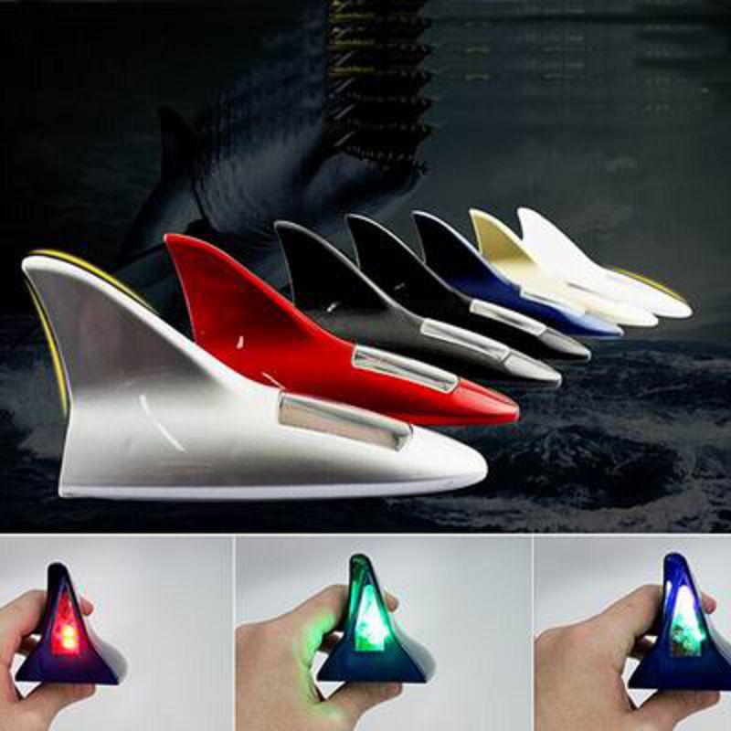 【汽車太陽能鯊魚鰭天線裝飾燈-塑膠-1個/組】 防追尾車頂尾翼LED改裝燈警示爆閃燈-527008
