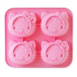 【迷你蛋糕模-矽膠-4連-可愛kitty/可愛小熊維尼】蛋糕模 布丁果凍 霜淇淋模具 烘焙工具-8001001