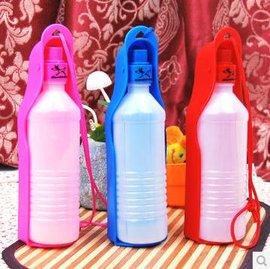 ~寵物水壺~塑膠~500ml~2個 組~可折疊外出攜帶 狗狗水壺^(自動出水式^) 三色,