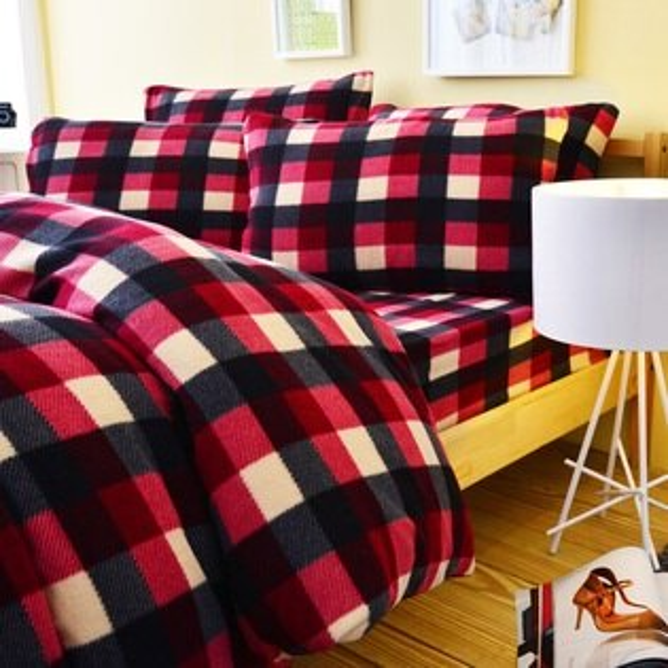 Pure One:PureOne超保暖搖粒絨-簡約格紋-黑紅@加大四件式床包被套組@台灣製@SGS檢驗合格