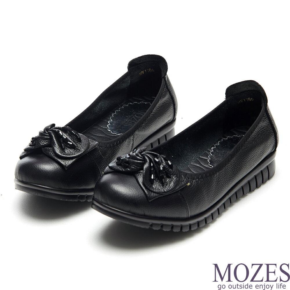 【MOZES】甜美小牛皮抓皺蝴蝶結紅珠飾平底鞋(真小牛皮平底鞋-黑