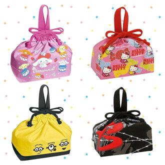 大田倉 日本進口正版大耳狗 凱蒂貓 小小兵 戰鬥陀螺 便當束口袋 便當袋 束口袋 收納袋 提袋袋 分隔袋