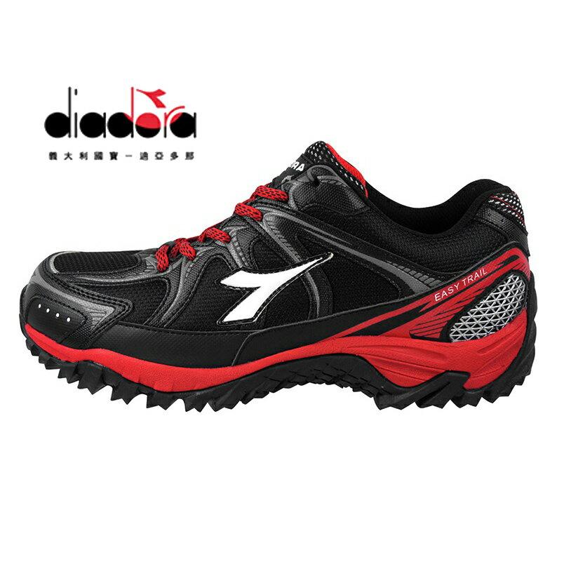 【巷子屋】義大利國寶鞋-DIADORA迪亞多納 男款抗水越野運動跑鞋 [9710] 黑紅 超值價$690