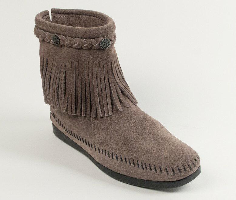 【Minnetonka 莫卡辛】灰色 - 麂皮後拉鍊流蘇莫卡辛短靴 0