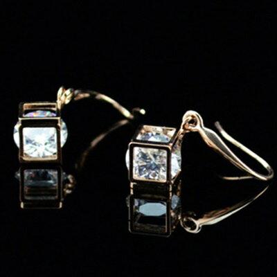 玫瑰金耳環鑲鑽純銀耳飾~精緻耀眼獨特方形七夕情人節 女飾品73hz14~ ~~米蘭 ~