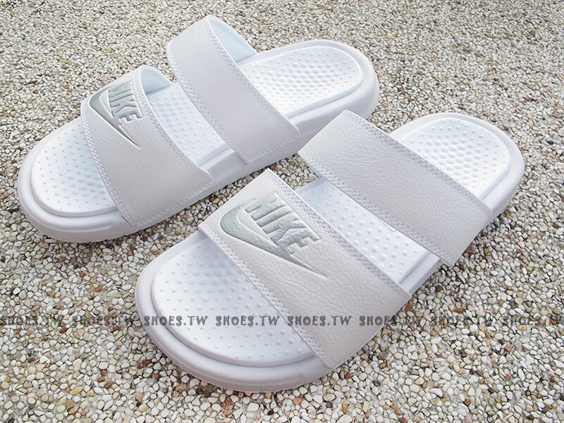 Shoestw【819717-100】NIKE BENASSI DUO ULTRA SLIDE 拖鞋 雙帶 白 女生尺寸