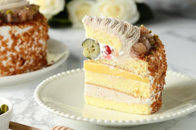 限量促銷~買一送一~~慶祝父親節--凡訂購父親節蛋糕送6吋岩燒起士峰蜜蛋糕❤濃情蜜芋6吋芋泥蒙布朗❤採用大甲芋頭研製純芋泥餡,布丁,新鮮野莓果組成三層不同口感滋味~ 6