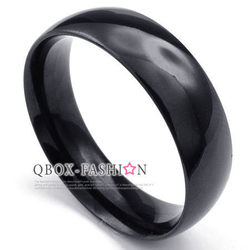 《 QBOX 》FASHION 飾品【R10022928】精緻個性粗版素面黑色316L鈦鋼戒指/戒環(0.6cm)