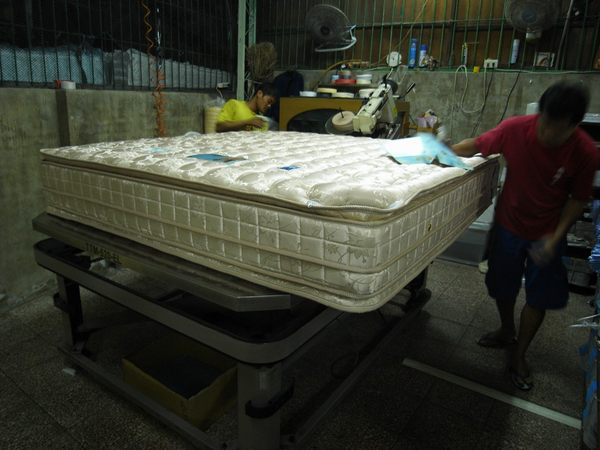【石川家居】MA-20 五線5尺雙面舒壓記憶膠+蜂巢獨立筒床墊→工廠十年保固