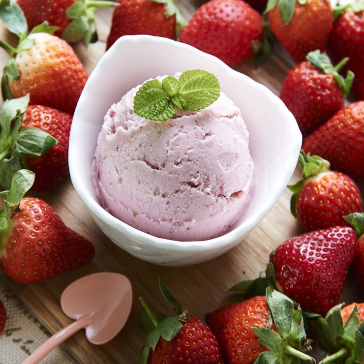 倍爾思 冰淇淋 愛戀草莓每日 20盒來自苗栗大湖的新鮮草莓加上牛奶以低酯低糖的天然健康的