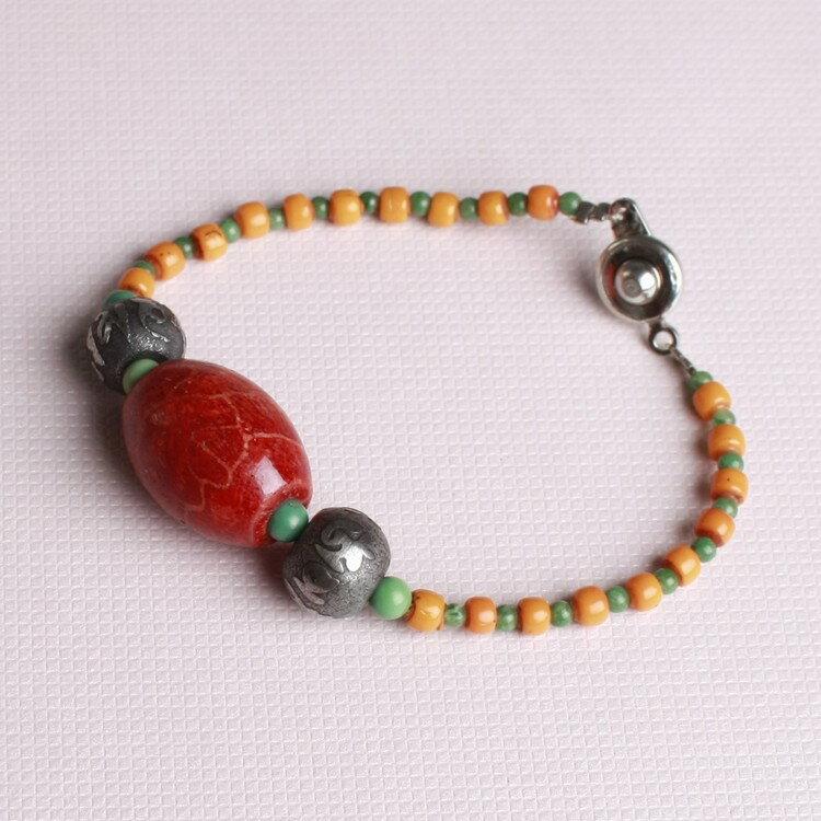 珊瑚珠小手環