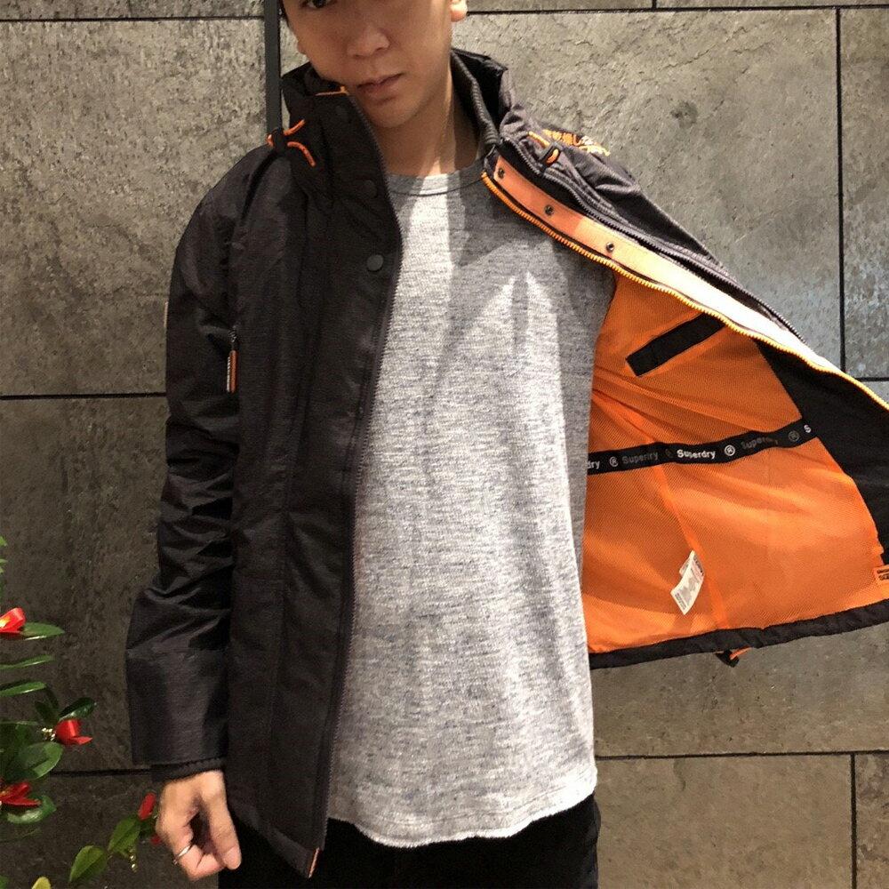 極度乾燥Superdry 男款 雙拉練 外深鐵灰內裏橘色 網眼 防風連帽風衣外套