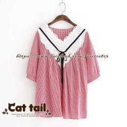 《貓尾巴》LZ-03056 日系格子娃娃領休閒短袖上衣(森林系 日系 棉麻 文青 清新)